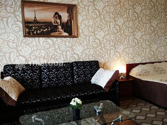 Снять квартиру посуточно в Виннице Замостянский район, ул. Ивана Бевза 36